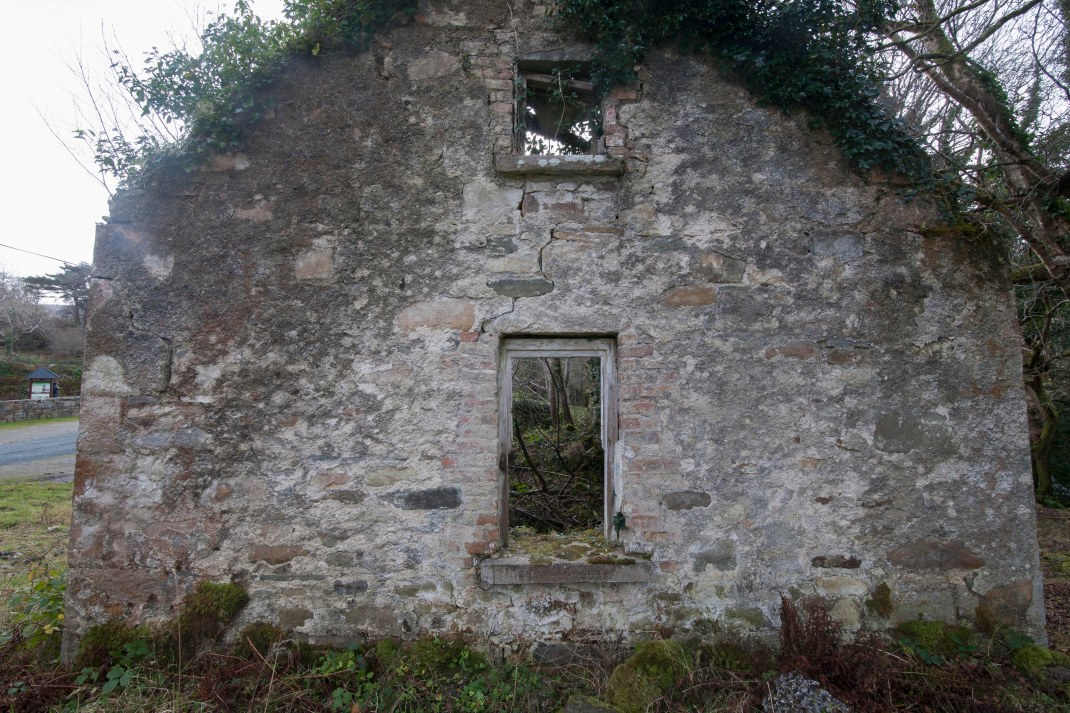 Old building in Gleniff, County Sligo, Ireland | Crank and Cog one day cycle loops in Ireland. Local Loops.