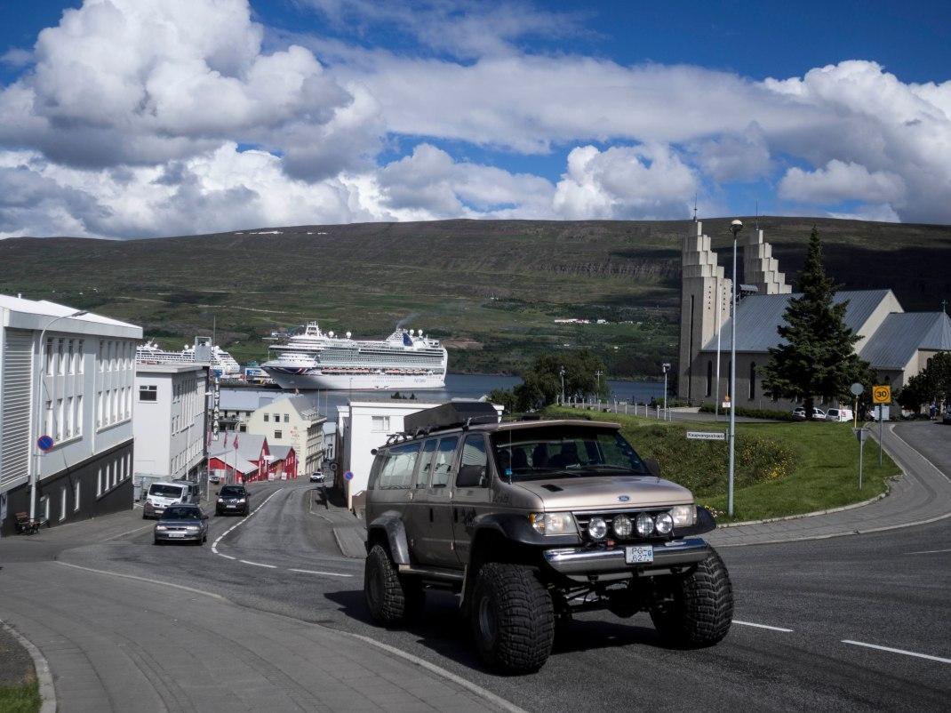 Icelandic cars! | Crank & Cog cycle tour of Iceland.